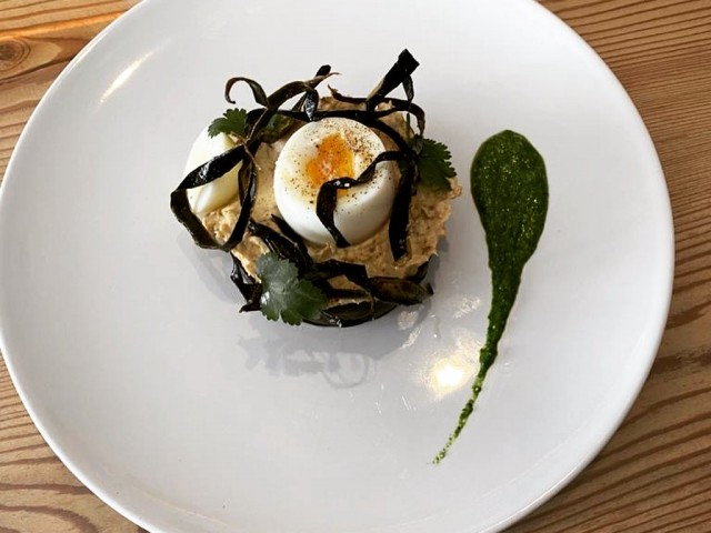 Le Serac Oeuf mollet et sa déclinaison d'aubergines (Poached eggs with aubergine caviar)